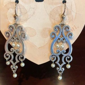 NWT Brighton dangle earrings with pearls!